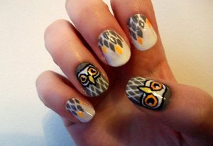 Grey_owl_nails_by_kaylamckay-d4g4no1_large