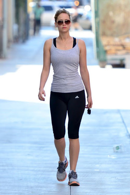 Jennifer-lawrence-going-to-the-gym-santa-monica-august-13-2012-1_large