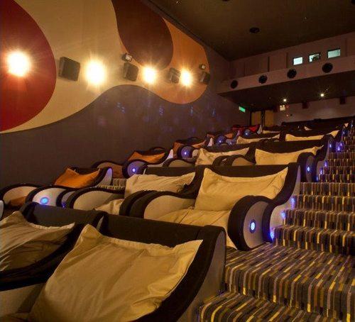 Castello Lopes Cinema 603487_467419129945820_975737754_n_large