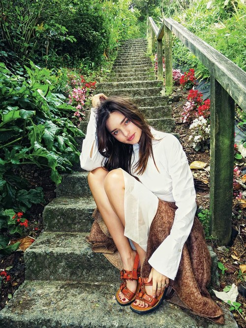 2012-fall-miranda-kerr-by-orlando-bloom-6_large