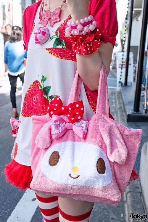 Moco-strawberry-kawaii-harajuku-2012-08-05-dsc8287-600x900_large