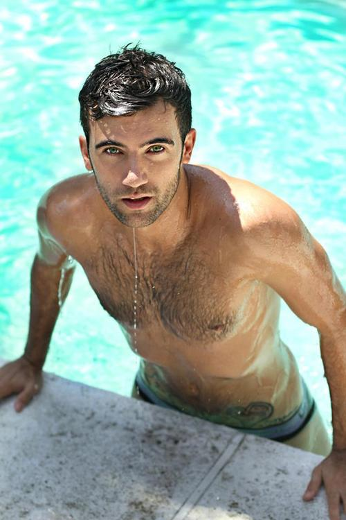 The reading fish special someone saturday daemon black for Naked fish sf