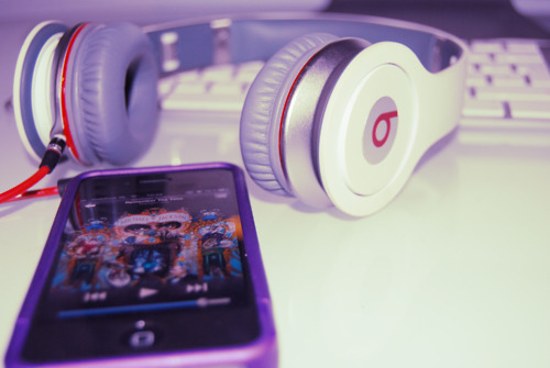 Apple-apple-ipod-touch-art-beats-by-dre-favim.com-488470_large