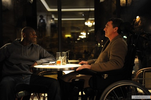 Kinopoisk.ru-intouchables-1847781_large