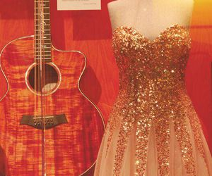 dress taylor swift!