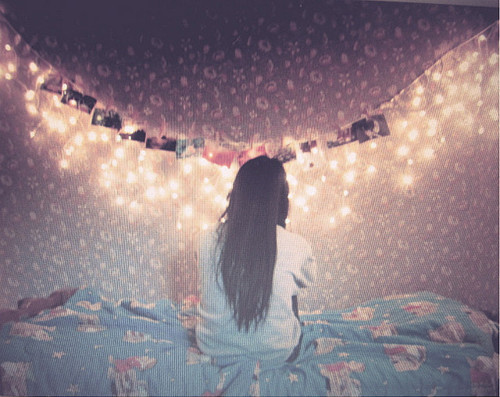Alone-art-beautiful-bed-favim.com-492925_large
