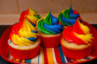 Cake-color-colorful-cupcake-favim.com-494591_large