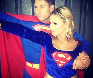 superman supergirl love