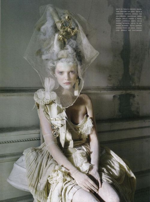 Stella-tennant-imogen-morris-clarke-by-tim-walker-for-vogue-italy-march-2010-lady-grey-10_large
