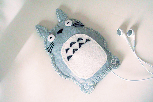 Cute-ear-earphones-ipod-korea-favim.com-306622_large