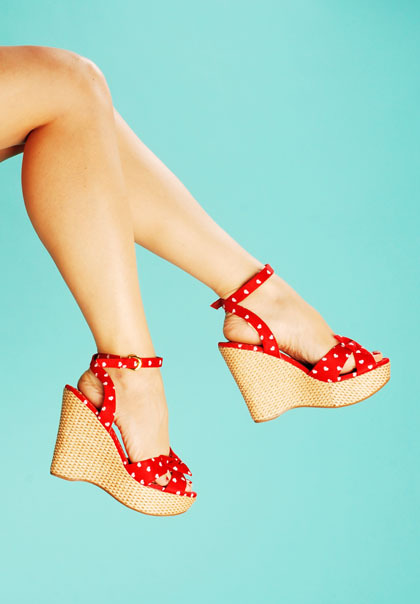 Retro-wedge-red-hearts_large