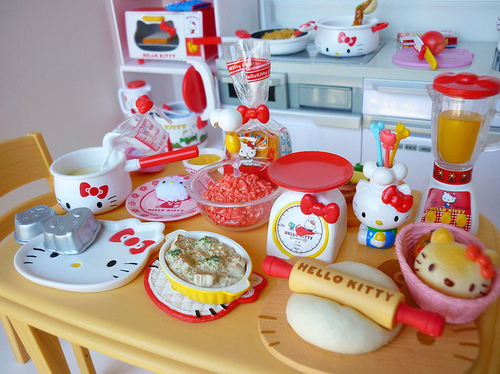 Chef-cook-cooking-cute-hello-kitty-favim.com-470317_large