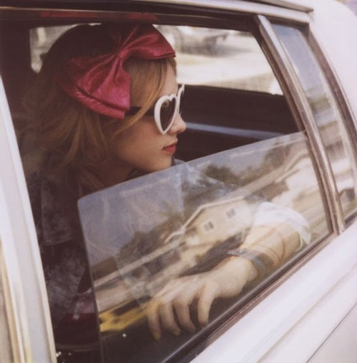 Girl-young-beautiful-sunglasses-car-bow-pink_large
