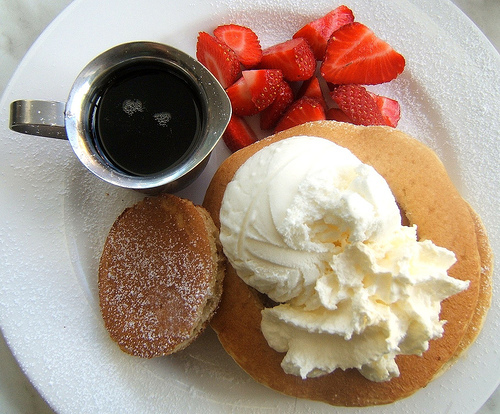Pancake_and_strawberry_breakfast-4537_large