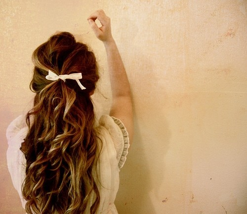 Girl_beauty_bow_brunette_sweet_hair-a6ce7d993b7205243e5a8a46240a93b1_h_large
