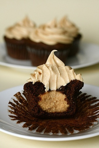 candy / Chocolate Peanut Butter Cupcakes » Annie's Eats