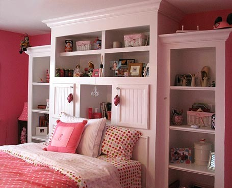 guarda roupa cor de rosa