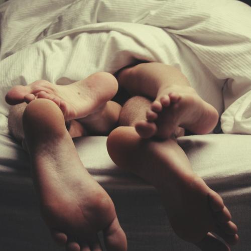 Секс по одеялом