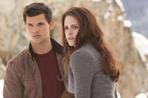 Hr_the_twilight_saga-_breaking_dawn_-_part_2_55-550x366_large