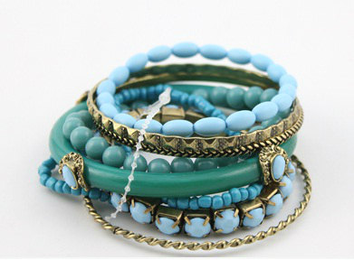 TURQUOISE COLOR STACKABLE BRACELETS, BANGLE SET. BOHO. ETTIKA STYLE. JUICY on The Hunt