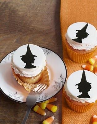 Halloween-cakes-bat-cupcakes-1010-de_large