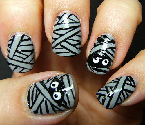 Mummy-nail-art-deez-nailz-2_large