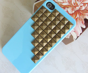 studs on iphone case