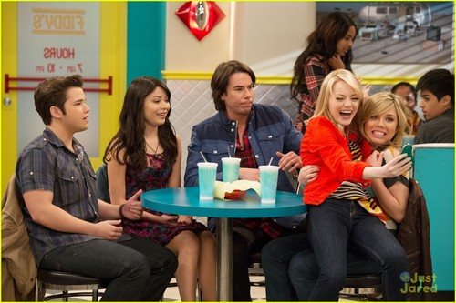 Emma-stone-icarly-first-look-01_large