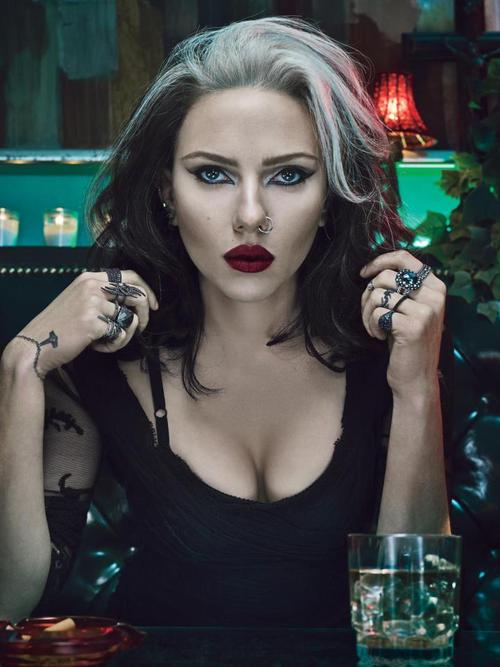 421070 10152190487465004 547351467 n large - Scarlett Johansson