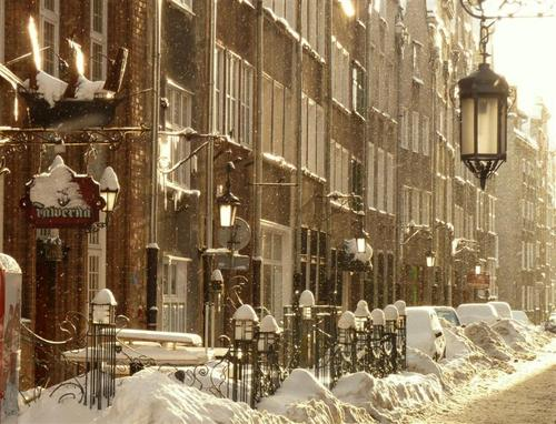 Winter_in_gdansk_by_mgv4-d36y2ls_large