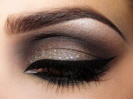 200550989627818216 UhFEMpjK c large - Eye Makeup
