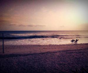 beach vibe girl