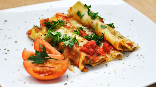 Spinach-and-feta-stuffed-cannelloni_large