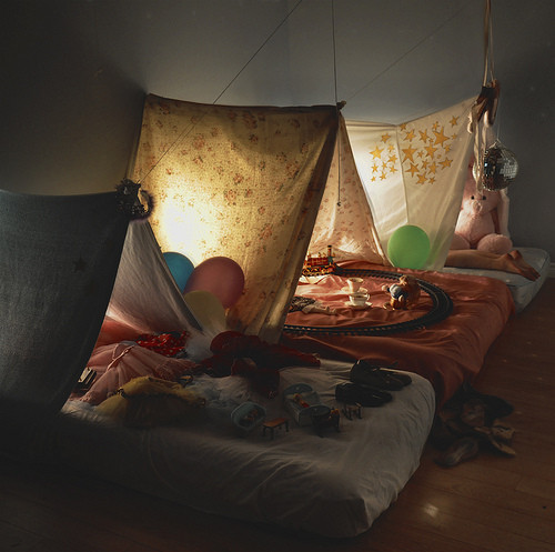 Bedtime,childs,view,dream,night,pretend,tent-333c21feae332388bc6f885d4023e5fa_h_large