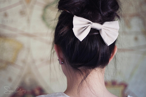 Bow-cute-hair-hairstyle-favim.com-530943_large