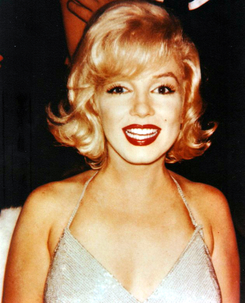 FoReVer YoUnG ☮ Marilyn Monroe