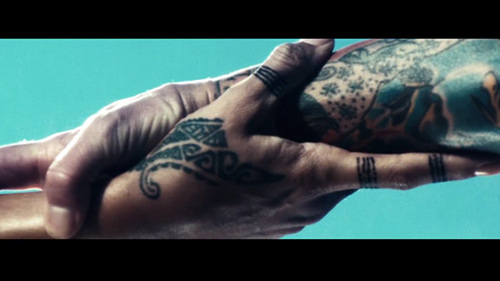 Rihanna-diamonds-tatted-hands_large