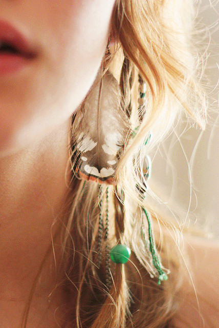 Gorgeous_20feather_20earrings-f86753_large