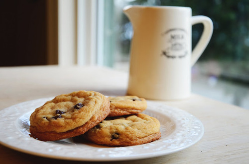 7_baked_cookies_and_milk_large