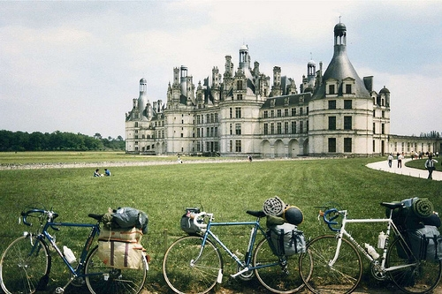 Cyclists At Chateau de Chambord on Flickr - Photo Sharing!