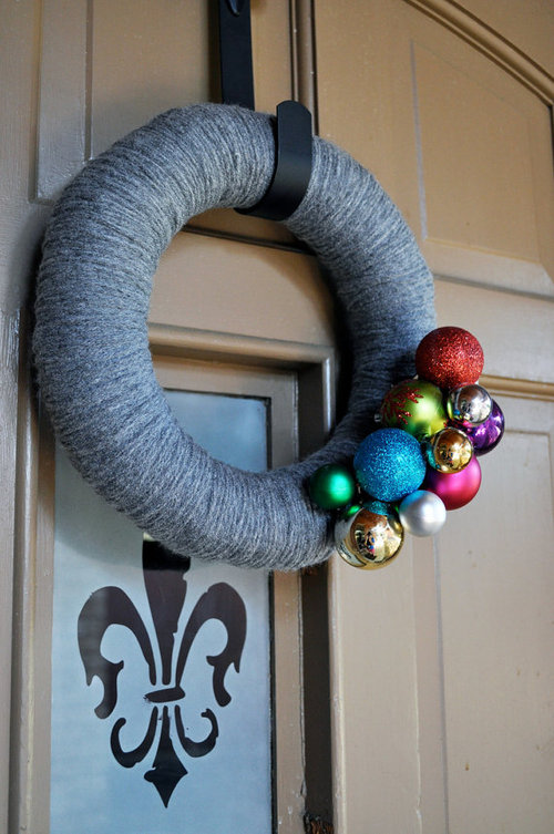 Gray-christmas-yarn-wreath_large