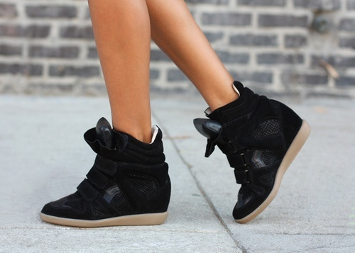 La-modella-mafia-model-off-duty-street-style-isabel-marant-black-wedge-sneakers1_large