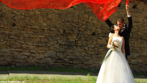 87623-dream-wedding-newly-married-love-couple-kissing_large