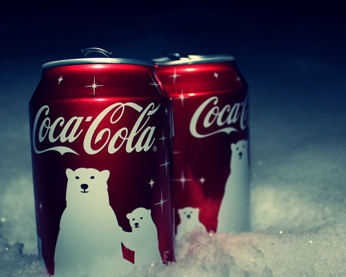 Food_drinks_coca-cola_in_the_snow_032808__large