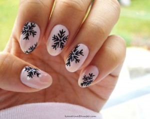 Christmas-nails-pink-snow1-300x237_large