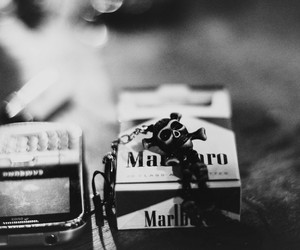 malboro; cigarrete; skull