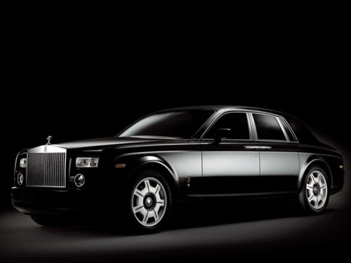 2003-rolls-royce-phantom-front-side-590x443_large