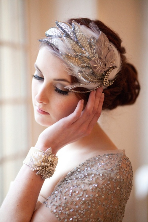 Lovely-vintage-bridal-fascinatior-with-feathers_large