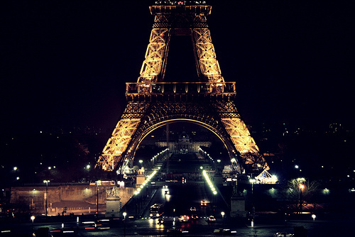 Eiffel-tower-paris-photography-favim.com-280587_large