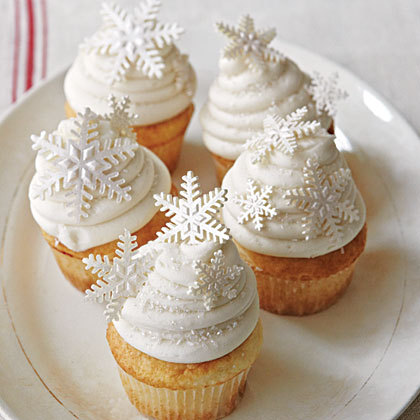 White-christmas-cupcakes-x_large